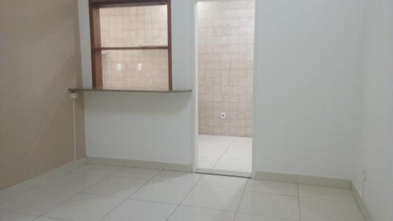 Apartamento Com 2 Quartos Para Comprar No Barro Preto Em Belo Horizonte/mg - Sim2523