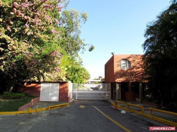 Apartamento Duplex En Venta En Los Naranjos 19-17594