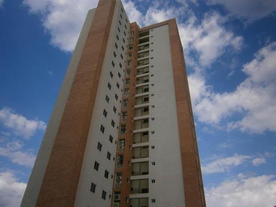 Apartamento En Venta Valles De Camoruco 20-11627 Aaa