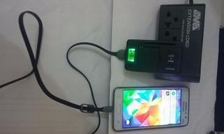 Carregador Universal Bateria Celular Usb Visor Lcd + Brinde!