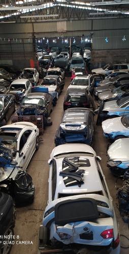 Volkswagen Jetta Sedã