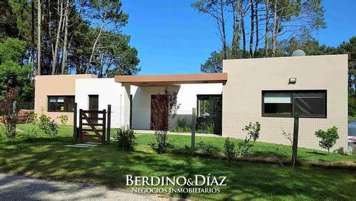 Casa - Golf Casa De Estilo Moderno- Ref: 818