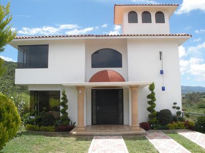 Casa Dentro Del Fraccionamiento Manantial Escondido