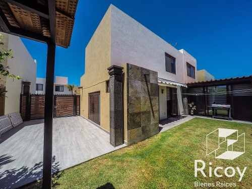 Magnífica Casa En Puerta Real Corregidora