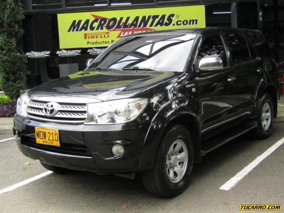 Toyota Fortuner Urbana 2700 Cc At 4x4