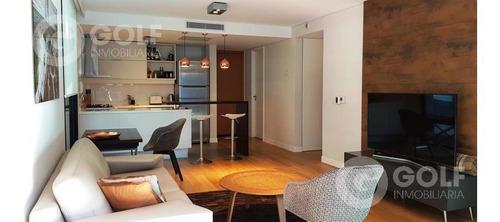 Vendo Apartamento De 1 Dormitorio Con Muebles Y Garaje, Renta Del 7% Aprox, Forum, Puerto Del Buceo