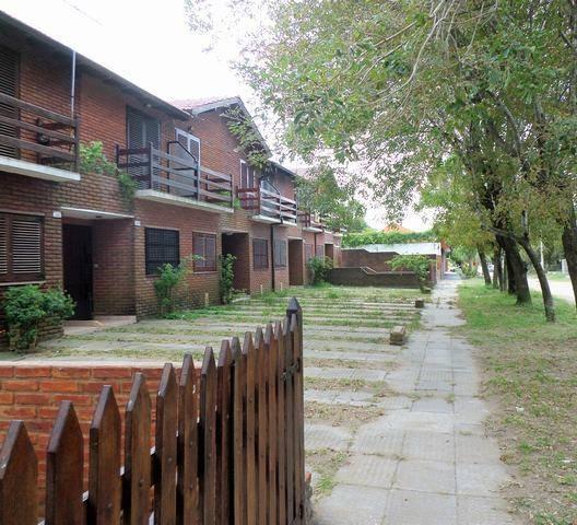Duplex Con Todos Los Servicios-.barrio El Silvio