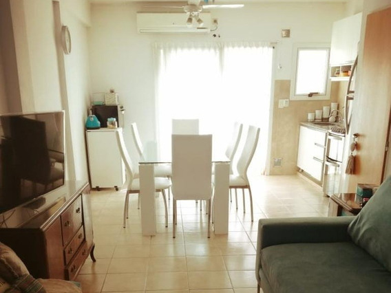 Duplex En Venta De 1/2 Dormitorios En Los Hornos, La Plata