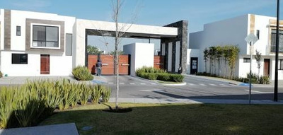 Casa En Venta El Condado Corregidora