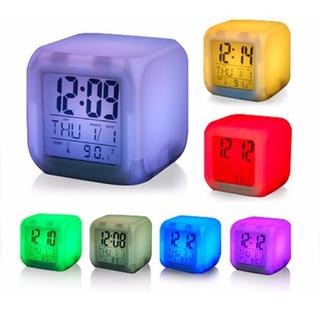 Reloj Alarma Digital Temperatura Luz Led Cambia Colores