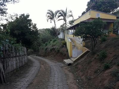 Sítio No Sul De Minas , Cidade De Caxambu , Com 05 Ha , Casa , Baia Para Cavalo,piscina, Bom De Água. - 4428