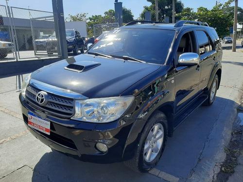 Imagem 1 de 15 de Toyota Hilux Srv 3.0 Automática 7 Lugares