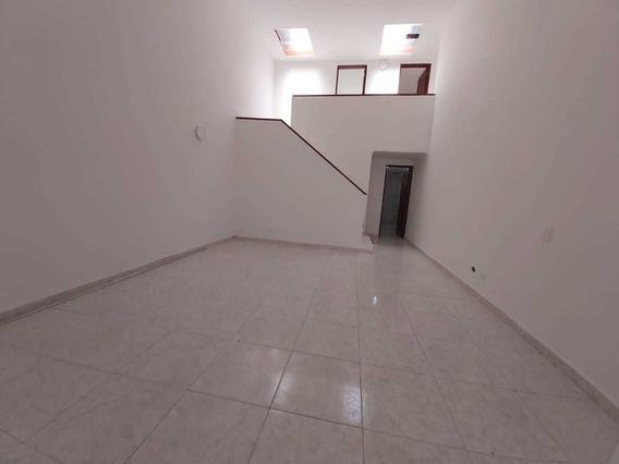 Arriendo Casa Con Local - Castilla