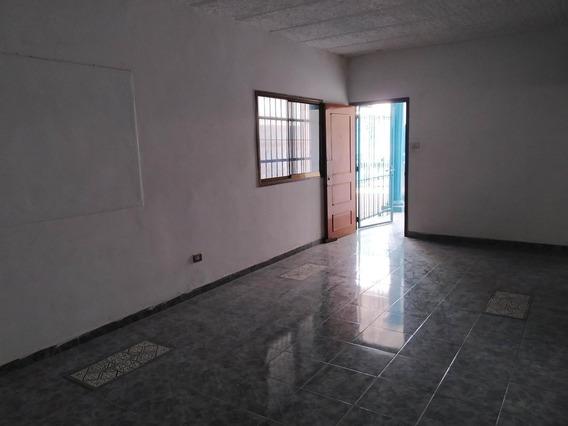 Casa En Venta En Cagua, Urb Fsco De Miranda Zp20-12966