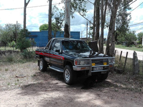 Toyota Hilux 2.4 S/cab 4x2 D $ Usa 8000