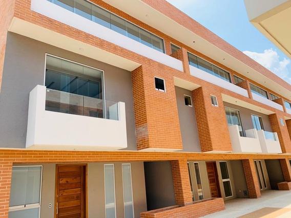 Townhouse En Venta Mañongo 320m2 P.e 100%