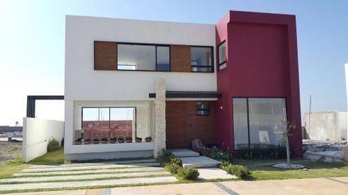Lujosa Casa En Jatzi Residencial, Alberca, 3 Recámaras, 4bañ