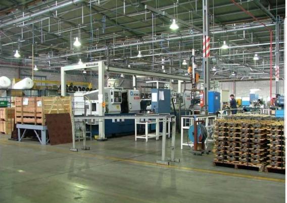 Parque Industrial Ferreyra Gran Depósito 5300mtspatrón Iv B