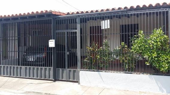 Linda Y Como Casa Ubicada En Araure