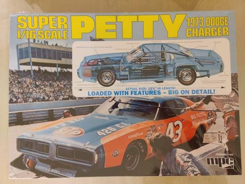 Mpc Super Petty 1973 Dodge Charger Escala 1/25