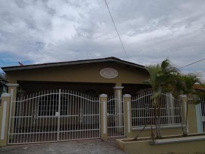 Venta De Casa En Las Cumbres 18-7298 **hh**