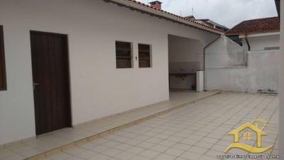 Casa No Bairro Flórida Em Peruíbe - Lcc-2046