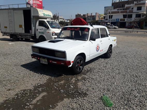 Lada 2105 Ruso 2105 Sedan