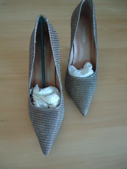 Sapato Modelo Scarpin Em Lurex Número 37