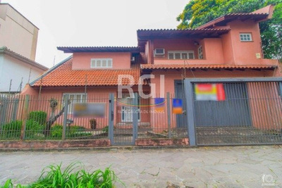 Casa Em Centro Com 4 Dormitórios - Vr28134