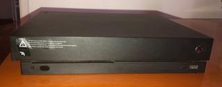 Xbox One X - 1 Año De Uso - Con 4 Juegos - Sin Joystick
