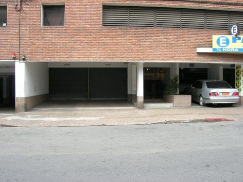 Dueño Alquila Garaje En Tres Cruces
