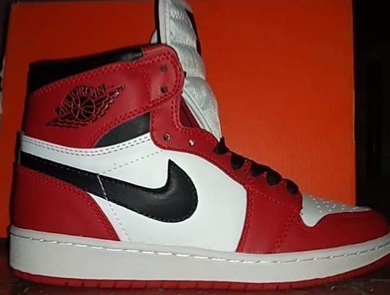 Tenis Nike Air Jordán 1