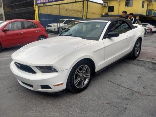 Ford Mustang Convertible 2010, Automatico