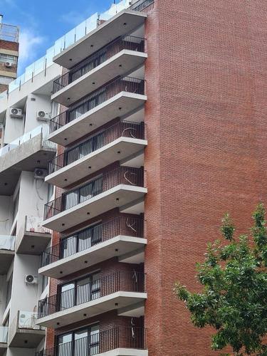 Estilo Industrial Compuesto De Excelentes Materiales Conjugados Con Moderna Arquitectura