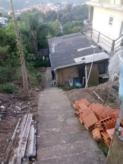 Vende-se Um Terreno Com 2 Casa Feita