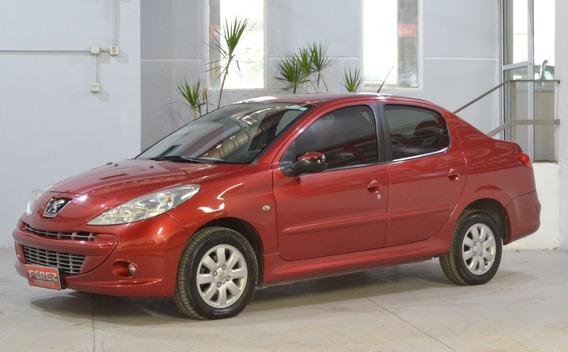 Peugeot 207 Compact Xs 2010 Rojo Gnc 1.4 En Muy Buen Estad