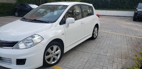 Imagem 1 de 7 de Nissan Tiida 2013 1.8 Sl Flex Aut. 5p