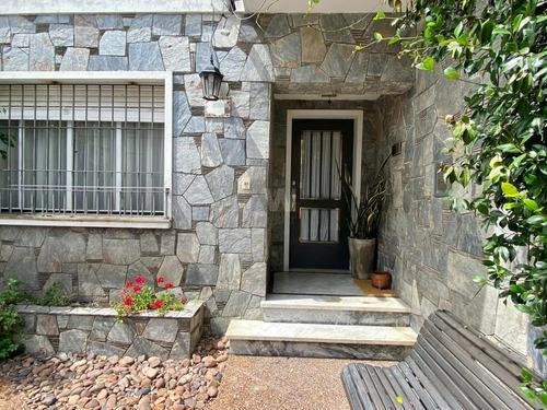 Casa Venta 3 Dormitorios Pocitos 2 Garajes Patio Parrillero