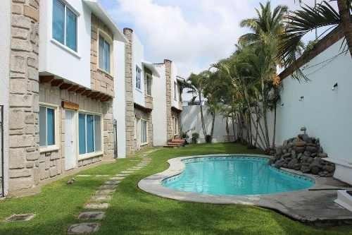 Casa En Privada De 4 Casas, Excelente Ubicación, Chiconcuac