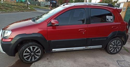 Toyota- Etios Cross- 2015