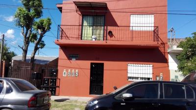 Casa De 5 Departamentos De 2 Ambientes C/u En Venta