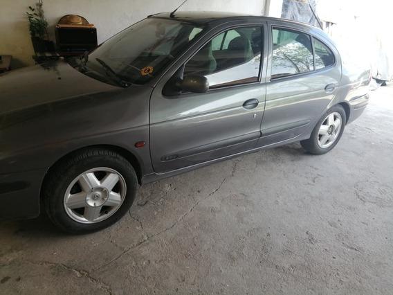 Renault Megane 2001 4 Puertas