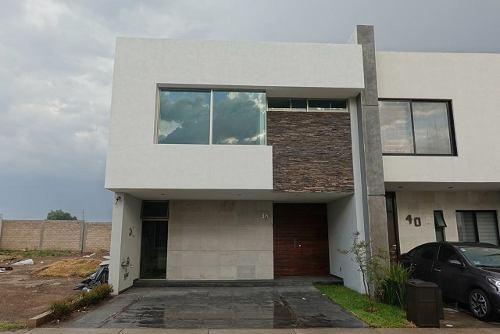 Casa En Venta Punto Sur Tlajomulco De Zuñiga $ 4´850,000.00