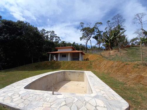 1.000 M², Casa Em Construção, Com 02 Dormitórios E Piscina !