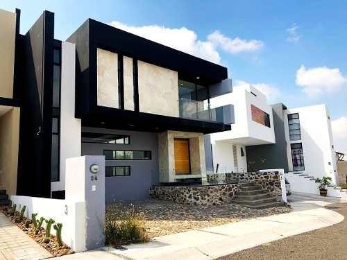 Casa Minimalista Con Roof Garden En Zibata. Condominio Cactus