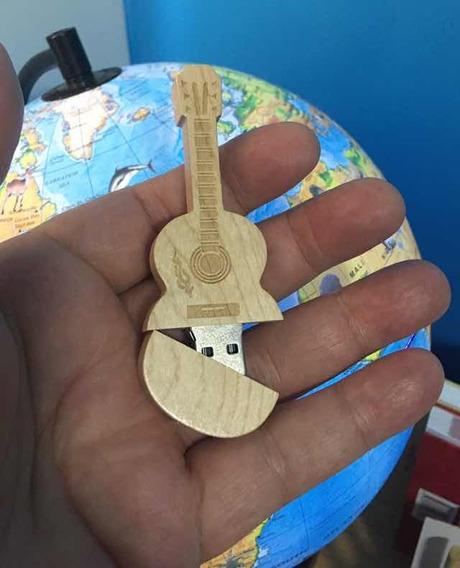 Conjunto Novo Alvorecer Usb Mp3 Guitar Stick Souvenir