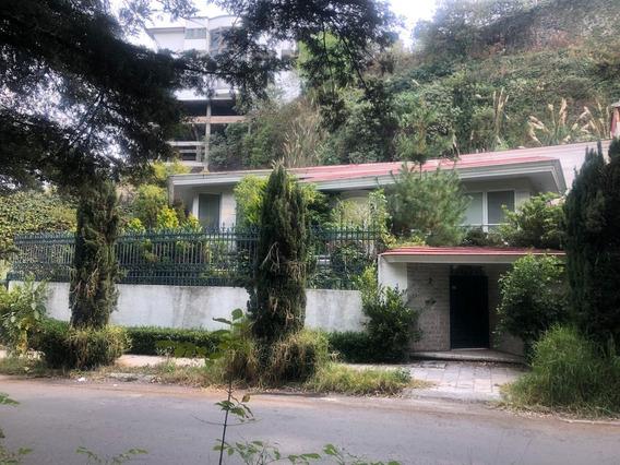 Casa Con Excelente Ubicación Y Vista Para Remodelar