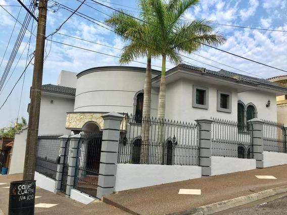 Casa En Venta En Lomas Del Chairel, Tampico, Tamps.