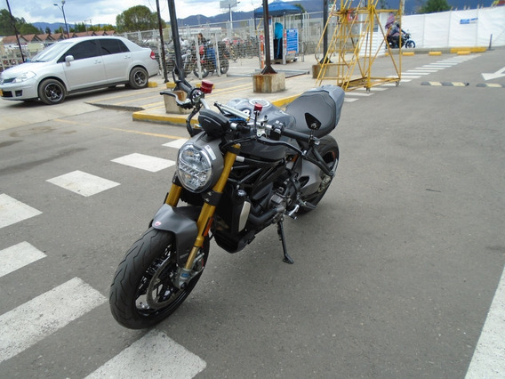 Naked Ducati Moster 1200s