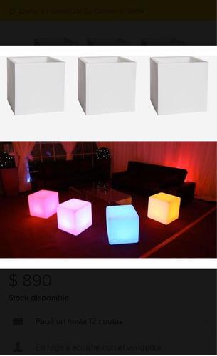 Cubo Puff Luminoso De 43cm En Plástico C/portalámparas